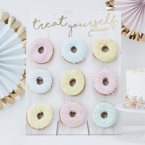 Donut Wall gold